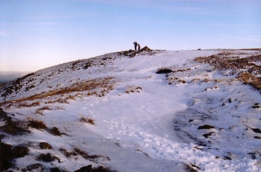 Nearing Harter Fell summit (snow)
